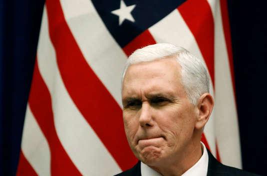 « Nous allons continuer à intensifier notre campagne de pression maximale tant que la Corée du Nord ne fera pas de pas concrets dans la direction d'une dénucléarisation complète, vérifiable et irréversible », a déclaré Mike Pence, le vice-président américain, le 7 février 2018, depuis Tokyo.