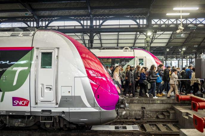 En gare Saint-Lazare, à Paris, le 2 juin 2016.