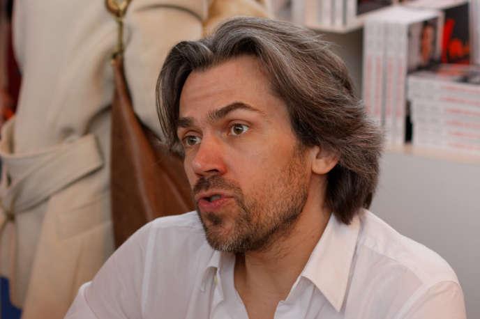 «Nous réclamons la suppression de la corrida, l'interdiction de la chasse, des zoos, des animaux dans les cirques, de la vivisection, et bien évidemment la fin programmée de la viande » (Aymeric Caron au Salon du livre de Paris, en 2013).