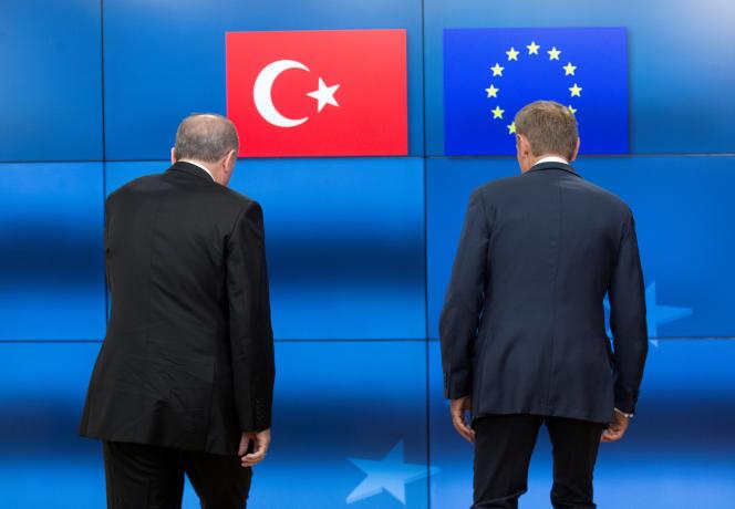 Le président turc Recep Tayyip Erdogan et le président du Conseil européen Donald Tusk, en mai 2017 à Bruxelles.