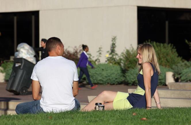 Près de 1 200 étudiants se sontinscrits aunouveau cours de Yale sur « la psychologie et la belle vie ».