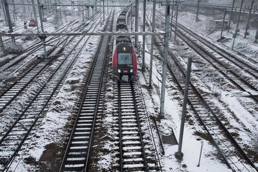 Près de la gare de l'Est à Paris. Le trafic était normal sur les lignes de métro, le 7 février. En revanche, le RER B est très perturbé et son interconnexion interrompue à la gare du Nord, et quasi aucun bus ne circule.