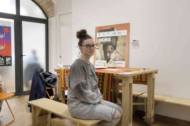 Vanessa Leton, 29 ans, travailleuse sociale pourl'assocation GUS, constate, comme son président, que la situation sociale de la ville et du pays se dégrade depuis longtemps.