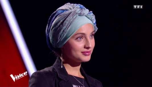 Mennel Ibtissem sur le plateau de l'émission «The Voice» diffusée sur TF1, le 3 février.