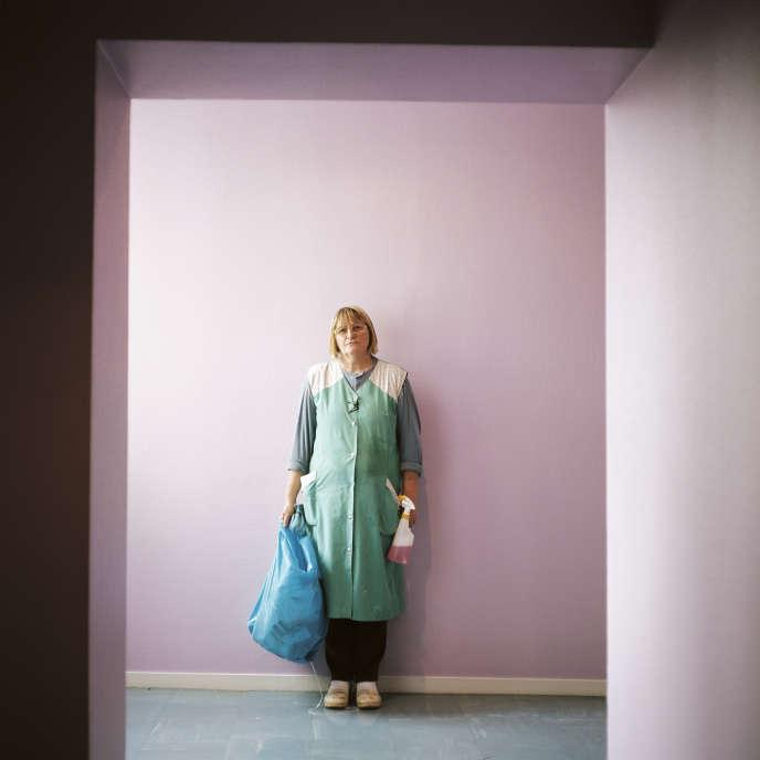 Dans la pièce intitulée «Moi, Corinne Dadat», mise en scène par Mohamed El Khatib, Corinne Dadat joue son propre rôle et parle de son quotidien.