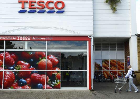 Un magasin Tesco du quartier de Hammersmith, dans le Grand Londres, le 3 octobre 2012.