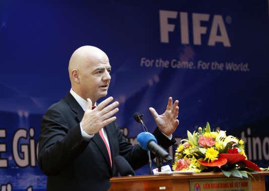 Le président de la FIFA, l'Italo-SuisseGianni Infantino, lors d'une conférence de presse à Hanoï, le 8 février 2018.
