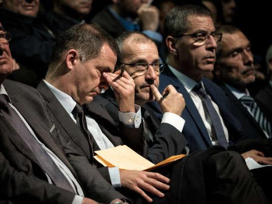 Le président du conseil exécutif de Corse, Gilles Simeoni, et le président de l'Assemblée de Corse, Jean-Guy Talamoni, lors du discours d'Emmanuel Macron, le 7 février, à Bastia.