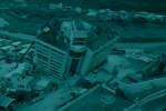 Secoué par le séisme du 6 février 2018, un immeuble menace de s'effondrer dans la ville taïwanaise de Hualien.