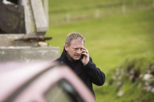 Douglas Henshall incarne Jimmy Perez dans la série«Shetland», saison 1.