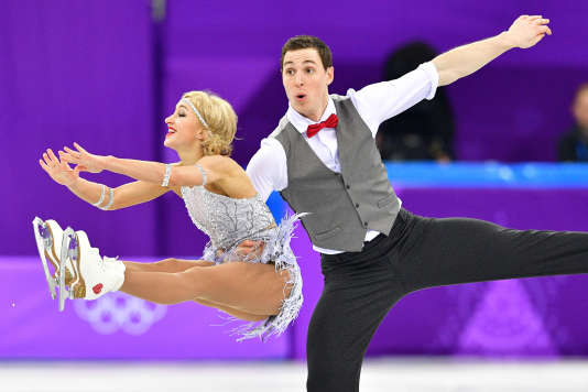 Bruno Massot etAljona Savchenko lors du programme court en couple, dans l'épreuve de patinage artistique par équipe.