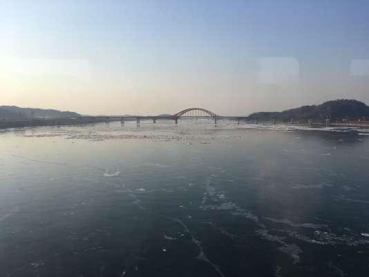 L'eau était gelée.