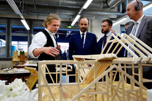 Le premier ministre Edouard Philippe, en visite dans un centre d'apprentissage à Berlin, en Allemagne, le 15 septembre 2017.