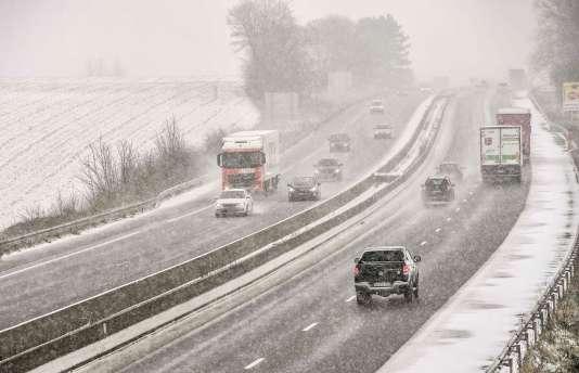L'autorouteA25, près d'Eecke, dans le nord de la France, le 9 février.