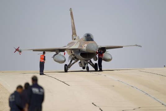 Un avion F16 de l'armée de l'air israélienne, sur la base d'Ovda, en 2013.