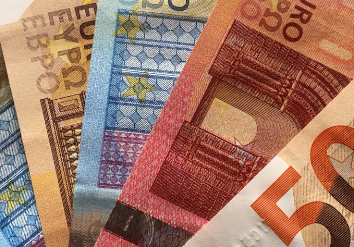 «Enfin, il faut choisir un régime fiscal : impôt sur le revenu (IR) ou impôt sur les sociétés (IS).»