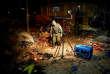 La police a inspecté les lieux de l'explosion de la bonbonne de gaz, durant le carnaval d'Oruro, en Bolivie, le samedi 10 février.