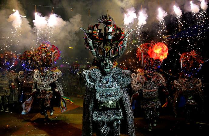 Le Carnaval d'Oruro est célèbre pour sa parade.