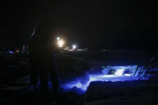 Les recherches se sont poursuivies dans la nuit après le crash de l'avion de la compagnie Saratov Airlines.