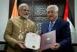 «Après la visite en Inde du premier ministre israélien, Benjamin Nétanyahou, au début de l'année, le premier ministre indien, Narendra Modi, s'est rendu à la mi-février à Oman, aux Emirats arabes unis et en Palestine». (Photo : le président de l'autorité palestinienneMahmoud Abbas reçoit le premier ministre indien Narendra Modi, à Ramallah (Palestine), le 10 février).