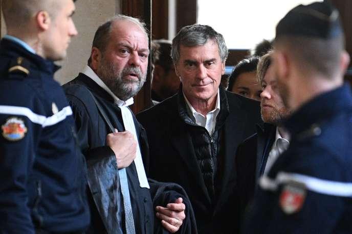 L'ancien ministreJérôme Cahuzac et son avocat, Eric Dupond-Moretti, à Paris le 12février.