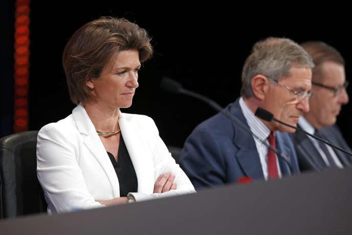 Isabelle Kocher et Gérard Mestrallet, respectivement directrice générale déléguée et PDG d'Engie, à Paris, le 28 avril 2015.