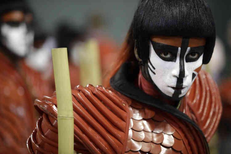 Plus de 72000 spectateurs ont pu savourer les costumes de l'école Imperio Serrano.