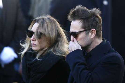 Laura Smet et David Hallyday arrivent à l'église de la Madeleine pourl'hommage à Johnny Hallyday à Paris, le 9 décembre 2017.