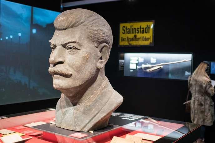 Vue d'une des salles de l'exposition« Der Rote Gott, Stalin und die Deutschen » à Berlin en février 2018.