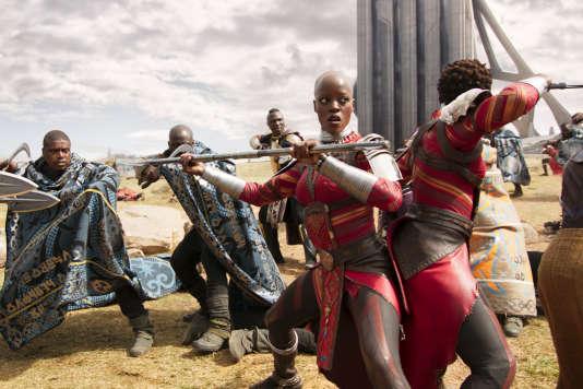 Florence Kasumba dans le rôle d'Ayo dans« Black Panther», film américain de Ryan Coogler.