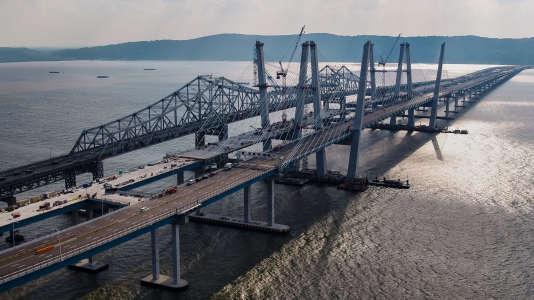 Le chantier du pont Tappan Zee, sur l'Hudson, à Tarrytown, près de New York, en août 2017.