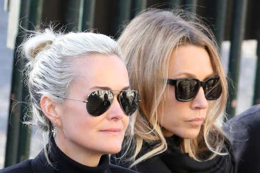 Laeticia Hallyday et Laura Smet, lors des funérailles de Johnny Hallyday, le 9 décembre 2017.