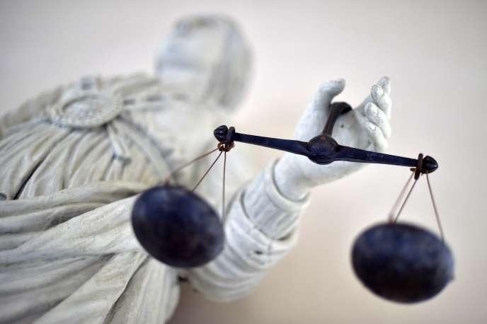 «Le cœur des réformes envisagées est la suppression des tribunaux d'instance, juridictions accessibles, qui traitent dans des délais raisonnables les litiges portant sur des sommes inférieures à 10 000 euros» (Au tribunal de Rennes, le 19 septembre 2017).