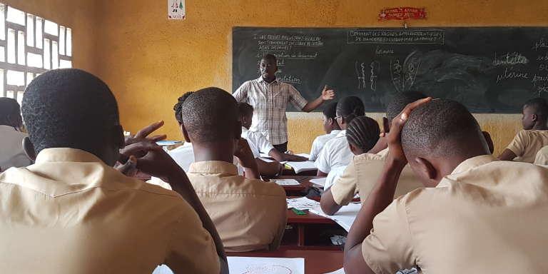 Au collège-lycée Nangui-Abrogua, à Abidjan, en Côte d'Ivoire, en février 2018.