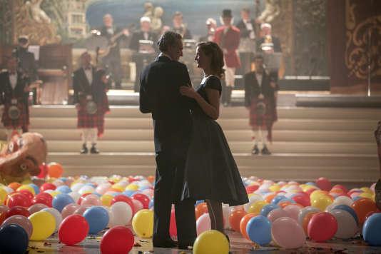 Daniel Day-Lewis (Reynolds Woodcock) et Vicky Krieps (Alma) dans «Phantom Thread», réalisé par Paul Thomas Anderson.