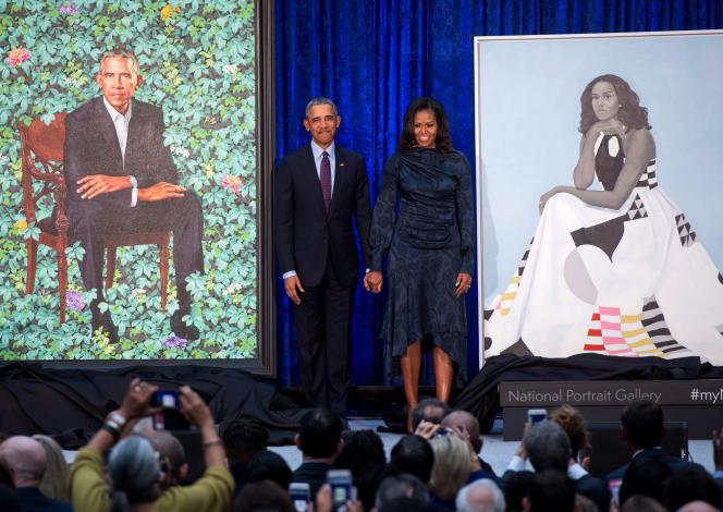 Barack et Michelle Obama lors de la présentation de leurs portraits à la National Portrait Gallery de Washington, le 12 février.