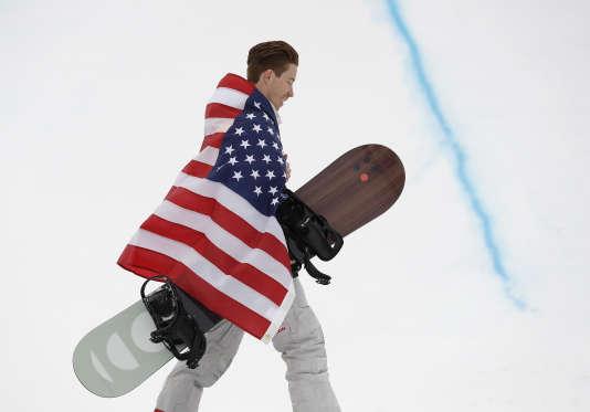 Shaun White vient de remporter son troisième titre olympique, mercredi 14 février à Pyeongchang.Gregory Bull / AP
