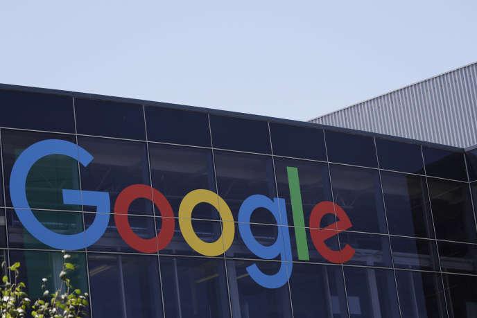 Google avait licencié l'ingénieur James Damore en août 2017. Il avait partagé en interne un manifeste jugé sexiste.