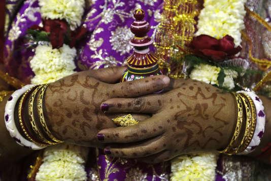 Une mariée photographiée à Kolkata, en Inde, le 14 février (image d'illustration).
