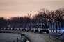 Une colonne de blindés en route pour l'Allemagne, à Steenwijk, aux Pays-Bas, le 8 février.
