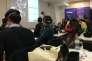 Un cours de marketing en réalité virtuelle immersive sur le campus parisien de Neoma Business School, le 9 février.
