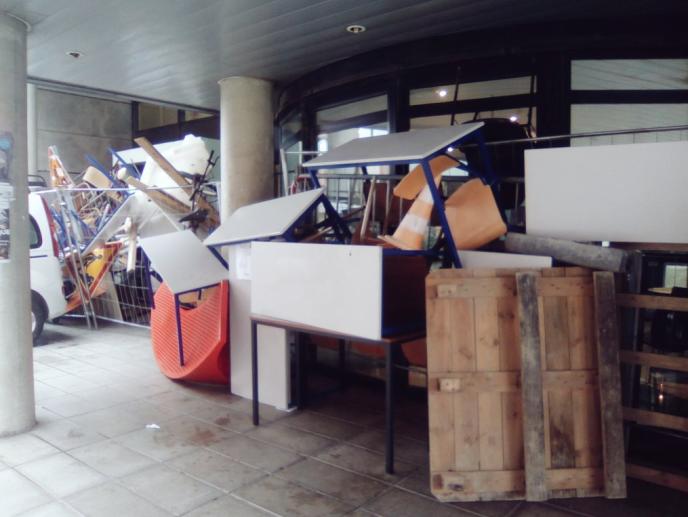 La Maison de la recherche de l'université Toulouse-II Jean-Jaurès bloquée.