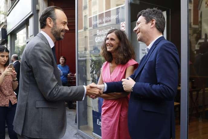 Le premier ministre, Edouard Philippe, la députée LRM de Paris Elise Fajgeles et Benjamin Griveaux, porte-parole du gouvernement, en juin 2017, à Paris.