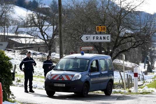 Des gendarmes interviennent en Savoie, dans l'enquête sur l'assassinat de Maëlys, le14février2018.