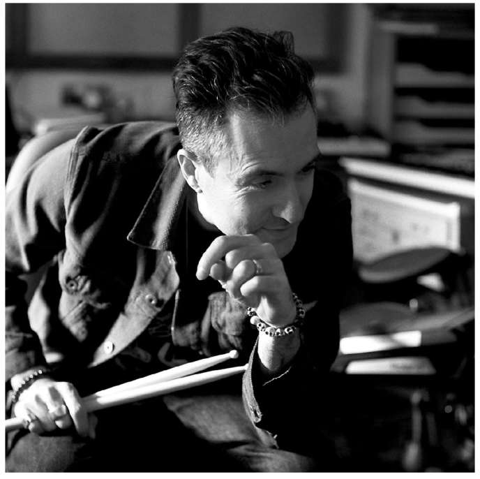 Richard Russell à Londres en 2017, lors de l'enregistrement de l'album au studio du producteur The Copper House.