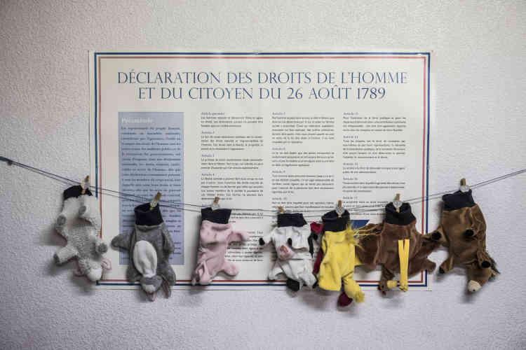 En septembre, la municipalité a déjà perdu les deux contrats aidés qui permettaient d'assurer l'accueil des enfants à la garderie et elle s'inquiète de plus en plus de cette logique de regroupement vers les collèges. « On a l'impression que le gouvernement accompagne le déclin des territoires », regrette Pierre Dufour,du collectif La petite école est une chance.