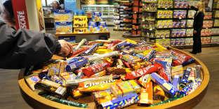 Les barres chocolatées font partie des aliments«ultra-transformés » mis en cause par l'étude.