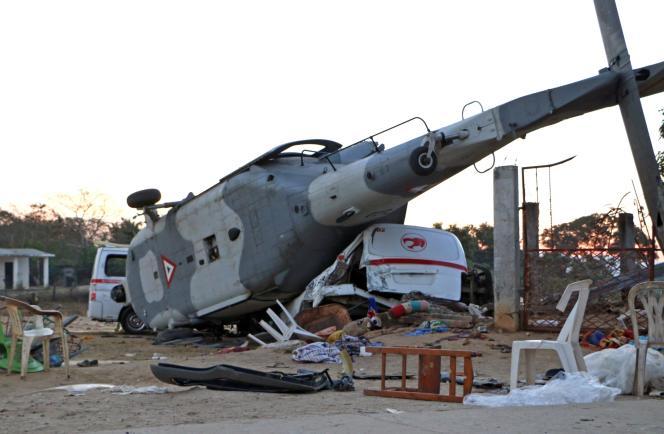 Alfonso Navarrete a déclaré à la chaîne Televisa que le pilote de l'hélicoptère militaire avait perdu le contrôle de l'appareil à environ 40 mètres du sol.
