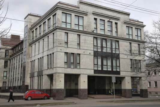 A la « fabrique de troll» de Saint Petersbourg, en Russie, en avril 2015.