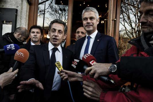 Nicolas Sarkozy et Laurent Wauquiez lors d'une conférence de presse, le 8 décembre 2017 à Lyon.